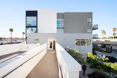 Long beach and 21st Apartments exterior view4